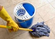 Cách làm sạch xi măng dính trên nền nhà hiệu quả